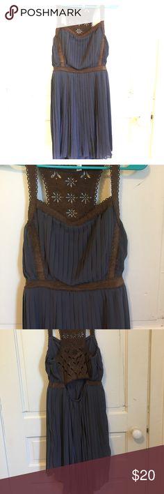 Lulu Size medium dress Never been worn!! Lulu Dresses Midi