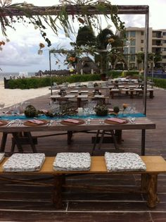 Shabby chic reception set-up at Dreams Riviera Cancun