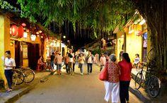 Hội An là một đô thị cổ thuộc miền Trung Việt Nam. Được Unesco công nhận là di sản văn hóa thế giới. Trước kia nơi đây từng là một thương cảng quốc tế sầm uất, nơi gặp gỡ của những thuyền buôn Nhật Bản, Trung Quốc và phương Tây trong suốt thế kỷ 17 và 18. Chính vì vậy, Hội An là vùng đất ghi nhiều dấu ấn của sự pha trộn, giao thoa văn hóa. Các hội quán, đền miếu mang dấu tích của người Hoa nằm bên những ngôi nhà truyền thống của người Việt và những dãy phố mang kiến trúc Pháp, Nhật Bản.