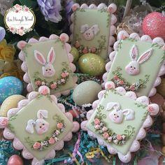 Sweet Little Bunny Easter Cookies by Teri Pringle Wood Fancy Cookies, Iced Cookies, Cute Cookies, Easter Cookies, Easter Treats, Holiday Cookies, Cupcake Cookies, Sugar Cookies, Cupcakes
