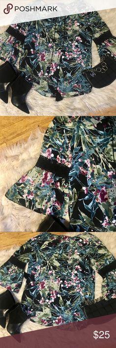 Zap & Rachel sheer bell sleeve tunic Zap & Rachel floral sheer 3/4 bell sleeve with lace tunic. Plus size small. Excellent condition Zac & Rachel Tops Tunics