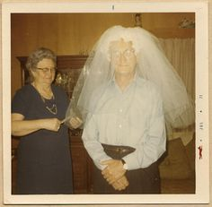 With the legalization of Gay weddings, Uncle Albert could finally realize his dream. Old Pictures, Old Photos, Vintage Photographs, Vintage Photos, Vintage Magazine, Family Album, Past Life, Photo Colour, Illustrations