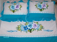 Bed Sheet Painting Design, Fabric Painting, Bed Sheet Curtains, Bed Sheets, Bed Covers, Pillow Covers, Fabric Paint Shirt, Bed Cover Design, Floral Bedspread