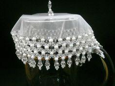 Cobre taças, cobre jarras com tecido em organza de 15 cms bordado com pedras…