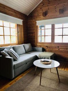 Myydään Mökki tai huvila, Yksiö - Soini, Isojärvi, Rantatie 160 - Etuovi.com r43979 - Katso kohteen kuvat! Couch, Furniture, Home Decor, Settee, Decoration Home, Sofa, Room Decor, Home Furnishings, Sofas