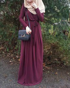 "2,628 Likes, 63 Comments - Fatmanur (@faaaatmanur_) on Instagram: ""Dress: @nurtensmodebutike2515 || Selamun aleyküm kızlar, çok güzel ve şık Allday elbisemi size…"""