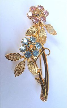Vintage Flower Brooch Vintage Floral Brooch by VillaCollezione, $25.00