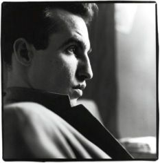 John Lurie.  Oh that mouth.  Google Image Result for http://www.newyorker.com/images/2010/08/16/p233/100816_r19902_p233.jpg