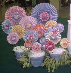 I need to make these flowers! I love making lollies.