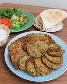 Omelett Zucchini Fritters, Middle Eastern Recipes, Mediterranean Recipes, Lchf, Tandoori Chicken, Salmon Burgers, Vegan Vegetarian, Entrees, Veggies