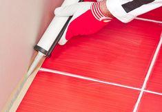 Silikonefuger | Effektiv rengøring af silikonefuger | idényt.dk Good To Know, Life Hacks, Household, Cleaning, Cool Stuff, Nice, Silicone Rubber, Lawn And Garden, Home Cleaning