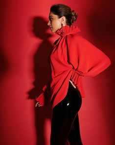 Deepika Padukone looking amazing and bold this picture
