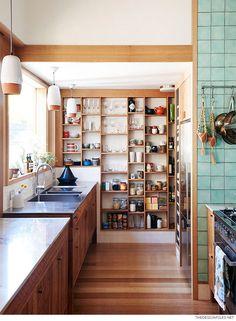 Repisa a medida de madera para la cocina