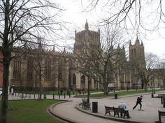 De bijna 92 m. lange kathedraal van Bristol, formeel de kathedraal van de Heilige en Ongedeelde Drie-eenheid (Engels: Cathedral Church of the Holy and Undivided Trinity), is de  anglicaanse kathedraal van het bisdom Bristol.