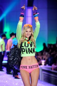 a0a052390f Victoria s Secret Fashion Show - Elsa Hosk 2011 - Club Pink segment