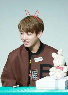 JungKook   #정국 #Jungkook #BTS #JeonJungkook #Kookie #JK #GoldMaknae #cute