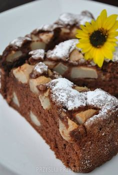 Proste ciasto z gruszkami i z cynamonem My Favorite Food, Favorite Recipes, Cooking Tips, Cooking Recipes, Breakfast Menu, Apple Cake, Sweets Recipes, Chocolate Desserts, Food To Make