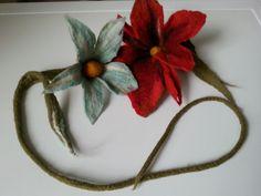 kwiat filcowany na mokro, wet felted flower necklace