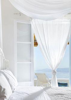 STYLISH HOLIDAY SUITES & VILLAS ON MYKONOS, GREECE