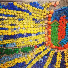 mozaik iz plastičnih zamaškov
