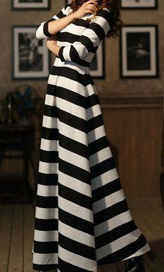 Vestido a rayas blanco y negro largo