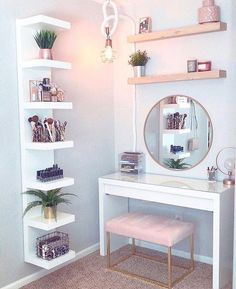 8 Effortless DIY Ideas To Organize Makeup According To Your .- 8 Effortless DIY Ideas To Organize Makeup According To Your Personality Type. M… 8 Effortless DIY Ideas To Organize Makeup According To Your Personality Type. Room Ideas Bedroom, Home Bedroom, Tween Room Ideas, Ikea Room Ideas, Master Bedroom, Long Bedroom Ideas, Adult Bedroom Ideas, White Desk Bedroom, Cheap Bedroom Ideas