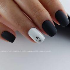 Semi-permanent varnish, false nails, patches: which manicure to choose? - My Nails Black Nail Designs, Acrylic Nail Designs, Nail Art Designs, Cute Acrylic Nails, Cute Nails, Pretty Nails, Glitter Nails, Minimalist Nails, Hair And Nails