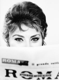 Sophia Loren photographed byAlfred Eisenstaedt, 1961.