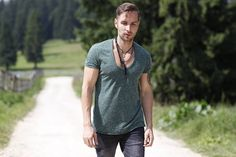 Andrei Ştefan Ropcea - Randi Babe, Artist, Mens Tops, T Shirt, Fashion, Moda, Tee, Artists, Fasion