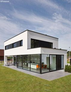 Energy efficiency: help for the economical house - Real Estate - Finances - H .Energy efficiency: help for the economical house - Real Estate - Finance - Handelsblatt - Ms. Minimalist Architecture, Modern Architecture House, Facade Architecture, Modern Buildings, Modern House Plans, Modern House Design, Dream House Exterior, Facade House, House Facades