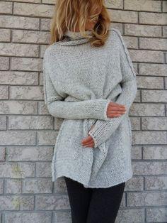 Oversized / Slouchy / volumineuze gebreide trui. door LeRosse