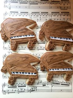 grand piano cookies for a piano recital | Cookie Connection