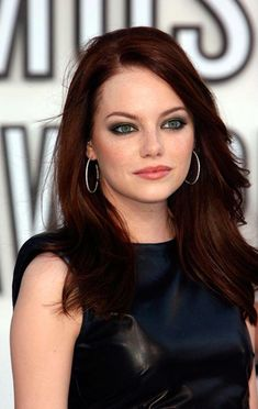 New hair brown auburn emma stone 50 ideas Dark Auburn Hair Color, Auburn Red Hair, Dark Ombre Hair, Brown Hair Colors, Ginger Hair Color, Ombre Hair Color, Cool Hair Color, Hair Colour, Red Color