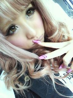 Adorable gyaru <3