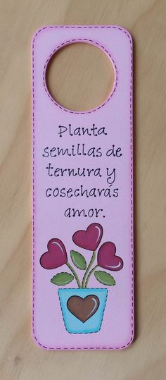 Colgante Picaporte Maceta con Corazones por Angélica Tamayo Country Crafts, Country Art, Vintage Country, Felt Crafts, Diy And Crafts, Arts And Crafts, Dremel Projects, Projects To Try, Christian Crafts