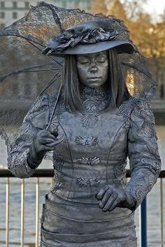 294 best images about performance 1 living statues on Queen Halloween Costumes, Halloween Art, Cool Costumes, Adult Costumes, Amazing Costumes, Halloween Stuff, Disco Costume, Living Statue, Caricature Artist