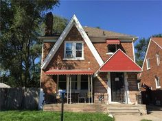 $64,950 - 3Br/2Ba -  for Sale in Chester Heights Sub, Detroit  Detroit Houses for Sale #RealEstate #Detroit #immobilier #investment #forsale #DTRdetroit