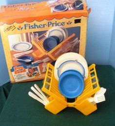 Have fun with food and not gain an ounce! Vintage Fisher Price Fun with Food Family Dinnerware Set NR MINT w/BOX! Be sure to use the coupon for off. My Childhood Memories, Childhood Toys, Sweet Memories, Fisher Price Toys, Vintage Fisher Price, Retro Toys, Vintage Toys, Kids Growing Up, Toddler Toys
