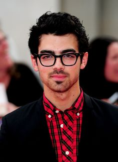Davis Vision - Joe Jonas, the middle Jonas Brother, proves that geek chic is back in style. #eyeglasses