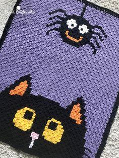 Crochet Halloween Blanket - Repeat Crafter Me Crochet Fall, C2c Crochet, Holiday Crochet, Crochet For Kids, Crochet Children, Free Crochet, Crochet Quilt Pattern, Halloween Blanket, Halloween Crochet Patterns