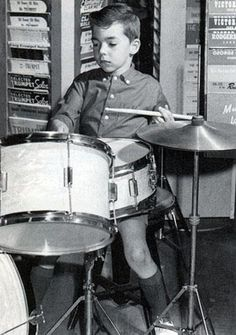 little Peter Erskine hits the skins!