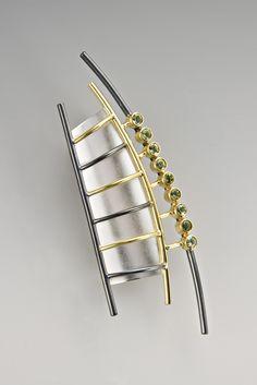 Brooch   Janis Kerman. Sterling silver, oxidized sterling silver, 18kt yellow gold, peridot