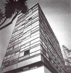 Condominios Reforma, Paseo de la Reforma 369, México DF 1955    Arqs. Mario Pani Y Salvador Ortega     Foto: Guillermo Zamora
