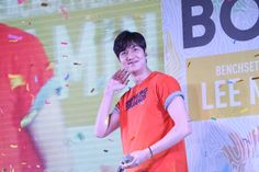 #PHILIPPINES News : 2016 April 03 (Sunday) #Korean #Actor #LeeMinHo [http://news.abs-cbn.com/lifestyle/v2/04/03/16/look-lee-min-ho-meets-fans-in-cebu]  LOOK: Lee Min Ho meets fans in Cebu | ABS-CBN News (Source: [https://twitter.com/ABSCBNNews/status/716750954893152256]  #LMHforBench #LMHLovesBench THIS Post: 05 April 2016 (Tuesday)