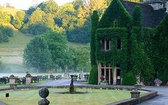 Manor House, Castle Combe, Wiltshire, England is now a hotel. English Manor, English Countryside, Places To Travel, Places To See, Manor House Hotel, Beautiful Homes, Beautiful Places, Castle Combe, England And Scotland