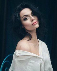 model: Luxuria Astaroth photo Ewa Kępys Photography & Photoholizm mua @Aleksandra Szczepanek MakeUp hair @Marta Draper frankowicz