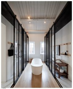 Barthroom / bathtub - Design Republic Design Commune / NeriHu Design and Research Office Hotel Bathroom Design, Restroom Design, Modern Bathroom Design, Bath Design, Modern Design, Neri And Hu, Interior Design Magazine, Bathroom Inspiration, Design Inspiration