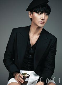 슈퍼쥬니어 예성 단독화보, CeCi March 2013 (Yesung)