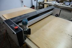 Printrbot& Crawlbot revolutionizes CNC by making your material the table—a small machine with huge capabilities at a fraction of the cost. Lathe Projects, Wood Turning Projects, Router Woodworking, Cnc Router, Woodworking Projects, Cnc Plasma Cutter, Cnc Plans, Small Cafe Design, Hobby Cnc