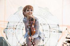 Lindsey Stirling thrills fans in Cincinnati at Bunbury Festival